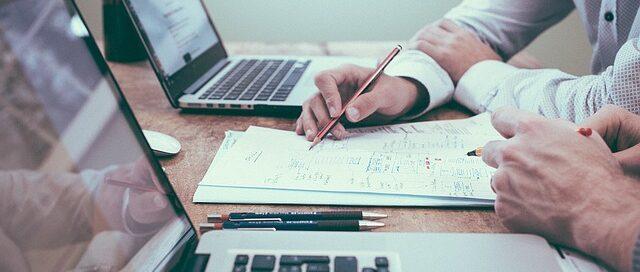 Cómo puede ayudarte tu asesoría de empresas - Abogados y economistas Verae
